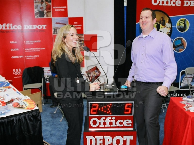 Ultimate Game Show presents a custom game show in a trade show booth.